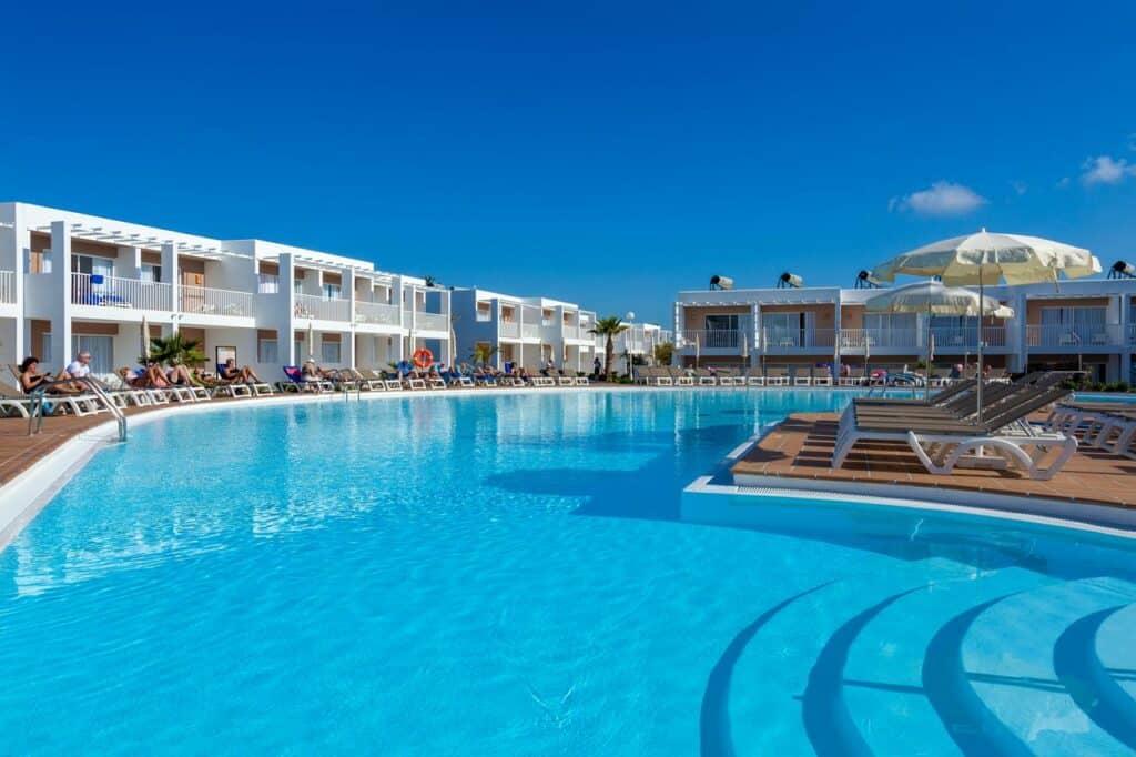surf et hébergement en appart hôtel à fuerteventura iles canaries